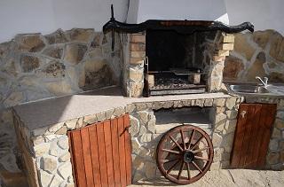 Барбекю къща за гости